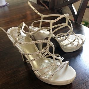 Gorgeous Adrianna Papell Heels!